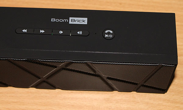 BoomBrick-Wireless-Bluetooth-Speaker-buttons