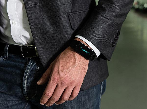 MyKronoz-ZeWatch-Smart-Watch-real-life-usage